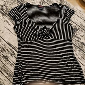 Tops - Black Striped Front Knot Top